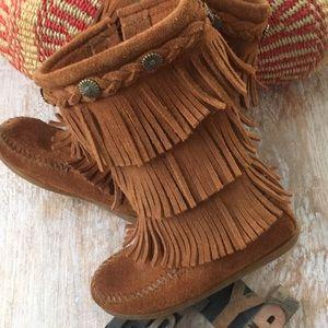 MINNETONKA Kid's '3-Layer Fringe' Suede Boots